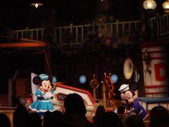 ミッキー&ミニーと記念撮影の風景